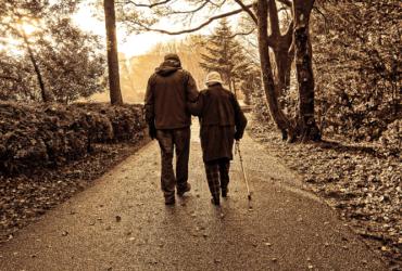 Maison retraite France personnes âgées Andouillet Village des aînés